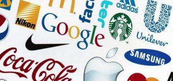 Social Media Interactions Enhanced by the Digital Displays
